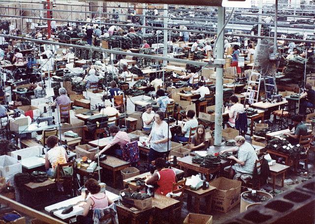 Заводы Alpha Industries 80 годы 20 века в США https://commons.wikimedia.org/w/index.php?curid=15520247