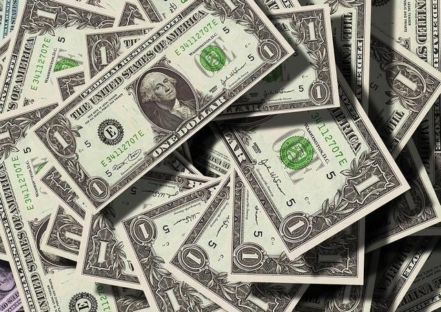 изображение денег Источник https://pixabay.com/ru/photos/dollar-%D0%B2%D0%B0%D0%BB%D1%8E%D1%82%D1%8B-%D0%B4%D0%B5%D0%BD%D1%8C%D0%B3%D0%B8-us-dollar-499481/